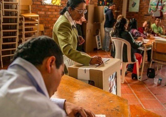 Votación de elecciones en Colombia