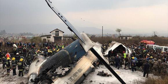 9. Mueren al menos 50 personas a causa del siniestro de un avión en el aeropuerto de Katmandú (Nepal)