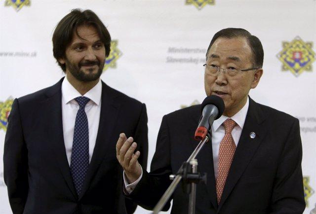 El ex secretario general de la ONU, Ban Ki-moon, y Robert Kalinak