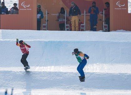 Astrid Fina entra en la historia paralímpica española con un bronce en snowboard