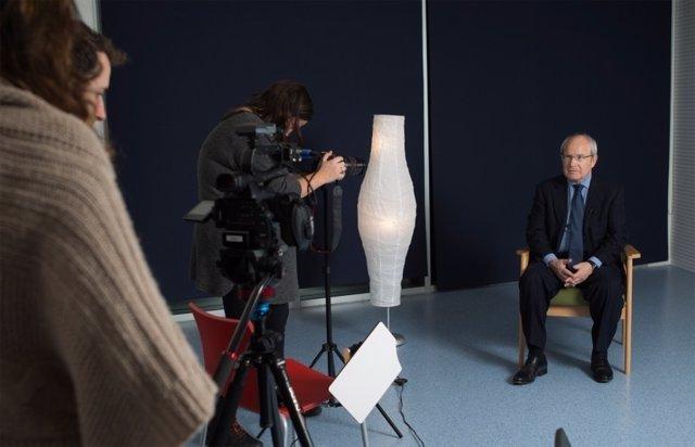 El pte.J.Montilla, en la grabación de la campaña de Plataforma per la Llengua