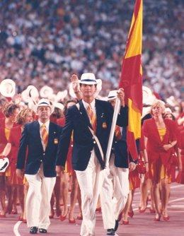El Príncipe don Felipe, abanderado en la apertura de los JJOO de Barcelona'92