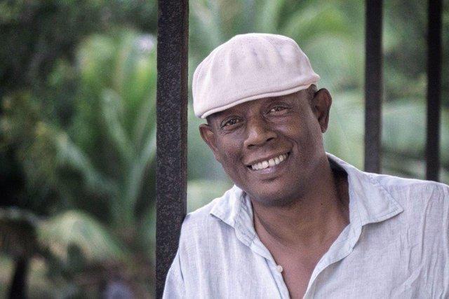 El cubano Alberto Guerra obtiene el Premio de Relatos Cortos José Nogales.