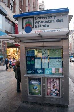 Uno de los kioskos de lotería de Gran Vía por el fin de la autorización de venta