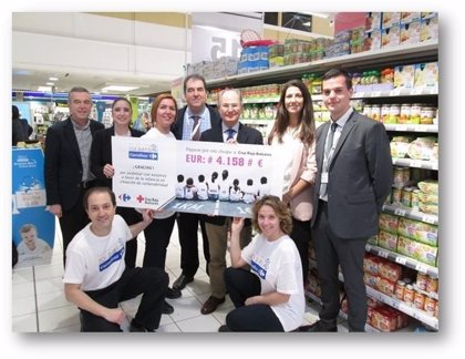 Carrefour dona más de 4.000 euros a Creu Roja para la compra de alimentos infantiles