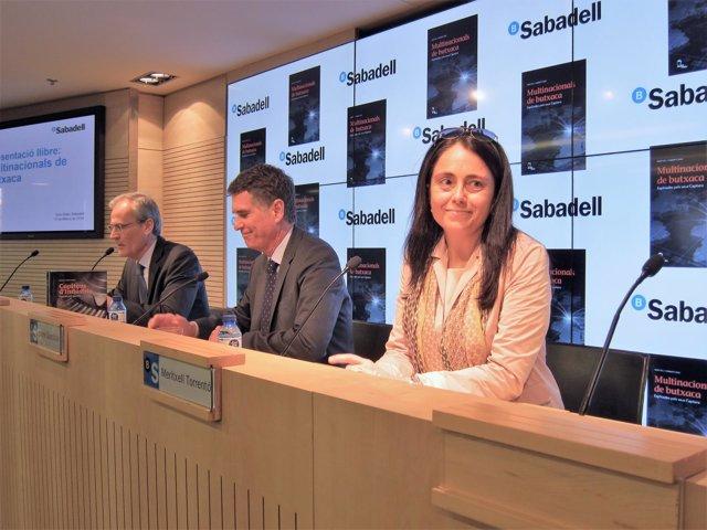 X.Cambra (Mobil Books) J.Guardiola (Banco Sabadell) Escritora M.Torrentó