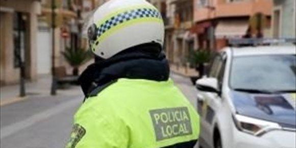 10. Detenido un joven en València que amenazó a su pareja con tener un accidente de tráfico por no enseñarle el móvil