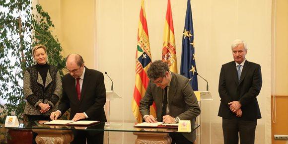 1. Nadal y Lambán firman un convenio dotado con 250 millones para zonas degradadas por la minería en tres comunidades