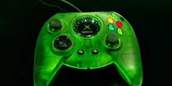 4. Microsoft presenta el nuevo The Duke, el mando de Xbox original actualizado para Xbox One