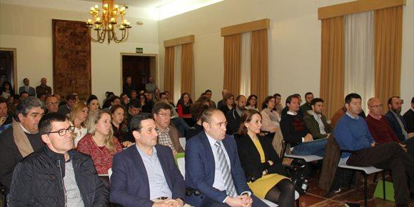 8. Diputación ofrece una jornada informativa a los cargos electos locales sobre la nueva Ley de Contratación