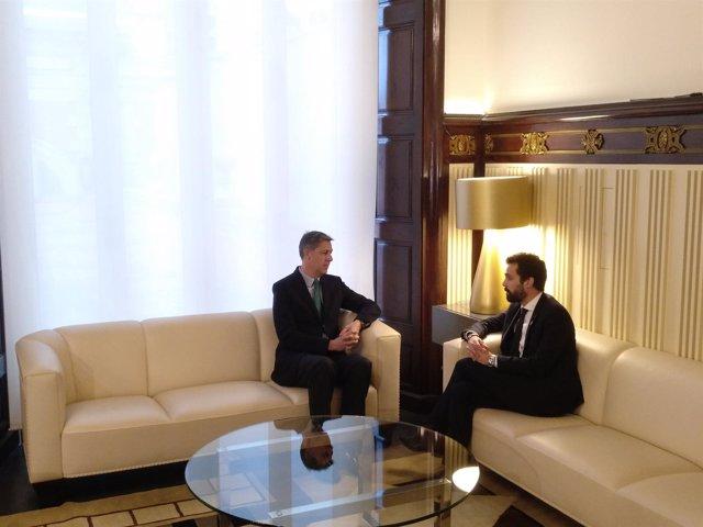 El presidente del PP catalán, Xavier García Albiol, y el del Parlament, Torrent