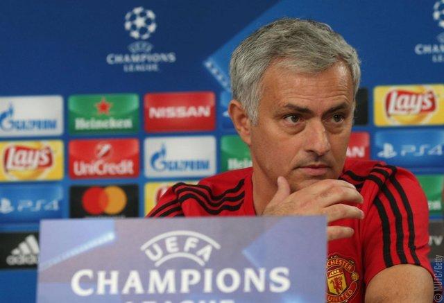 José Mourinho, entrenador del Manchester United, en rueda de prensa