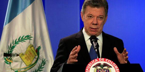 5. Santos ordena reanudar el proceso de paz con el ELN