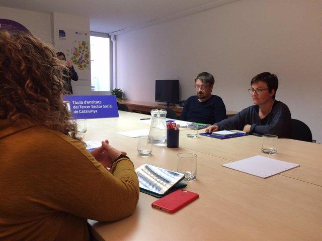 X.Domènech y M.Ribas (CatECP) en una reunión con entidades sociales