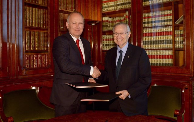 Luis Herrero (Banco Santander) y Miquel Valls (Cámara de Barcelona)