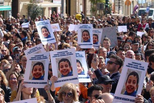 Concentración en Almería por Gabriel Cruz el viernes día 9 de marzo