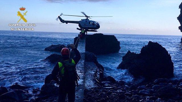 La Guardia Civil Rescata A Un Senderista Accidentado En El Barranco De Masca