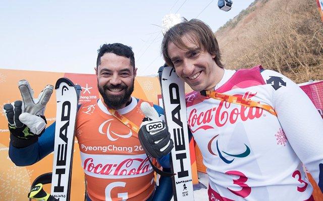 Miguel Galindo  y Jon Santacana celebran su plata