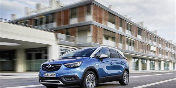 10. Opel alcanza 100.000 pedidos del 'español' Crossland X un año después de su lanzamiento