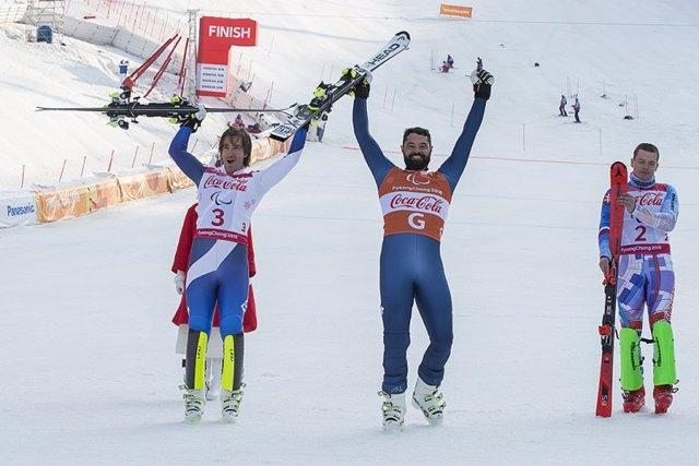Santacana  y Galindo felices tras ganar la plata en la supercombinada