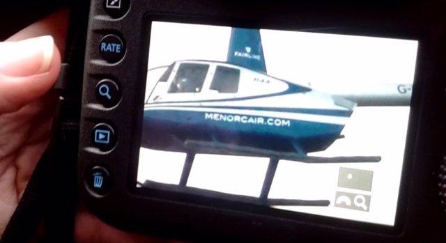 Helicóptero forografiado sobrevolando parques naturales