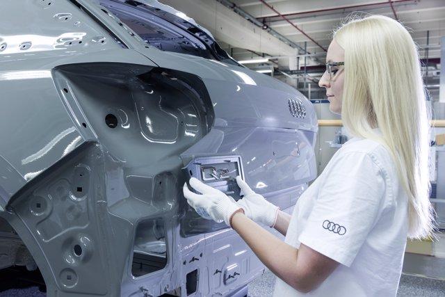 Trabajadora de Audi