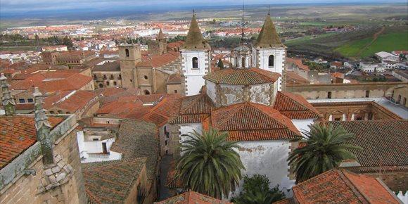 2. Más de 500 personas visitan la Torre de las Cigüeñas de Cáceres en la primera semana de puertas abiertas