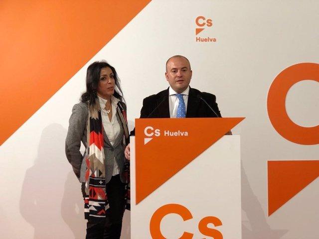 Los parlamentarios andaluces por Cs Julio Díaz y Marta Bosquet.