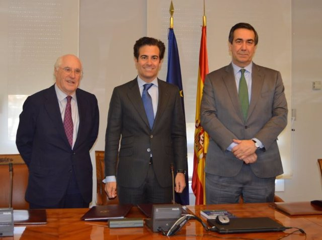 Acerinox firma acuerdo financiación con el ICO
