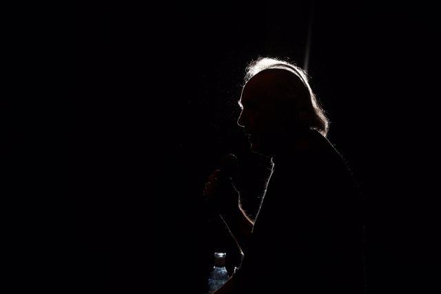 Roda de premsa de Joan Manuel Serrat en el Cercle de Belles arts