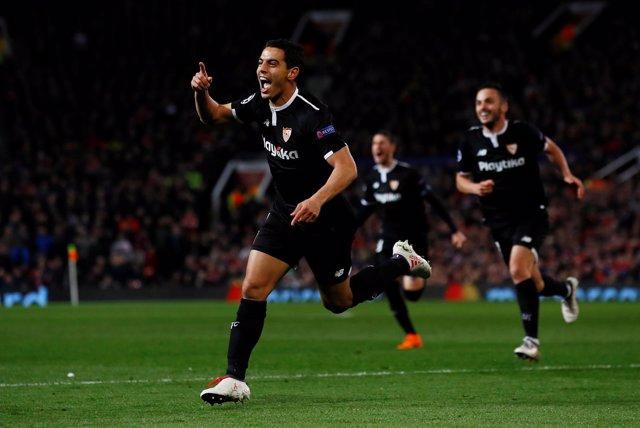 Ben Yedder celebra un gol en Old Trafford
