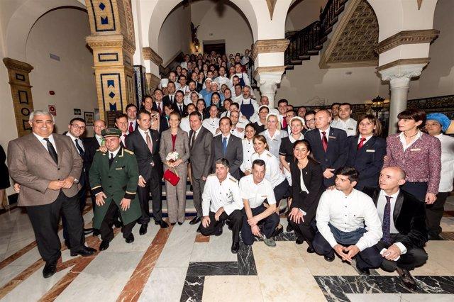 La Infanta Elena preside los actos del 90 aniversario del Hotel Alfonso XIII