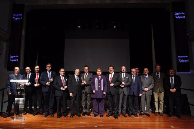 Foto de familia de los Premios Gota a Gota 2018 de la Fundación Cajasol