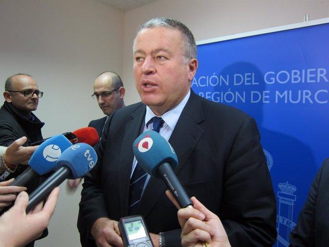 El delegado, Francisco Bernabé en un contacto  medios