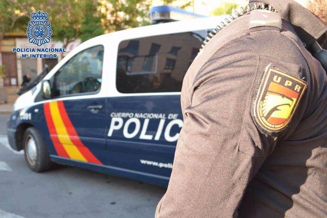 La Policía Nacional Detiene A Un Individuo Por Robar Y Agredir A Una Menor De Ed