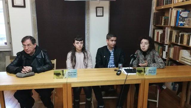 Marilar Aleixandre y Suso de Toro en rueda de prensa junto a Emilio Cao