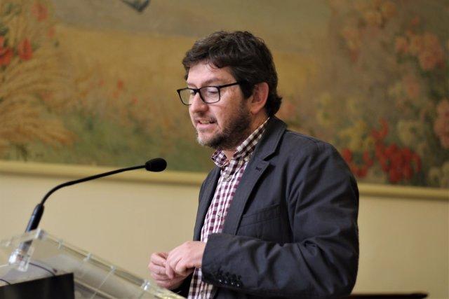 El portavoz parlamentario de Podemos, Alberto Jarabo