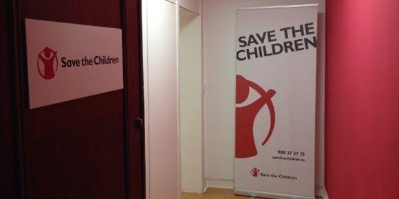 4. Save the Children denuncia que la guía escolar del Gobierno sobre el Ejército tacha de amenaza la migración irregular