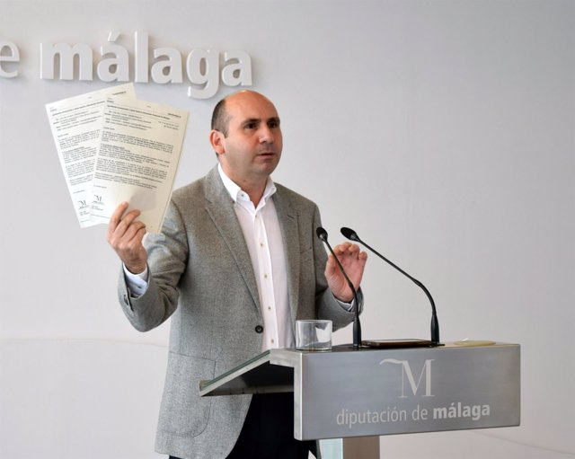 El portavoz del PSOE de Málaga Francisco Conejo en la Diputación