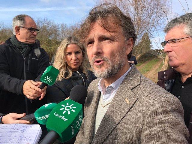 El consejero de Medio Ambiente y Ordenación del Territorio, José Fiscal.