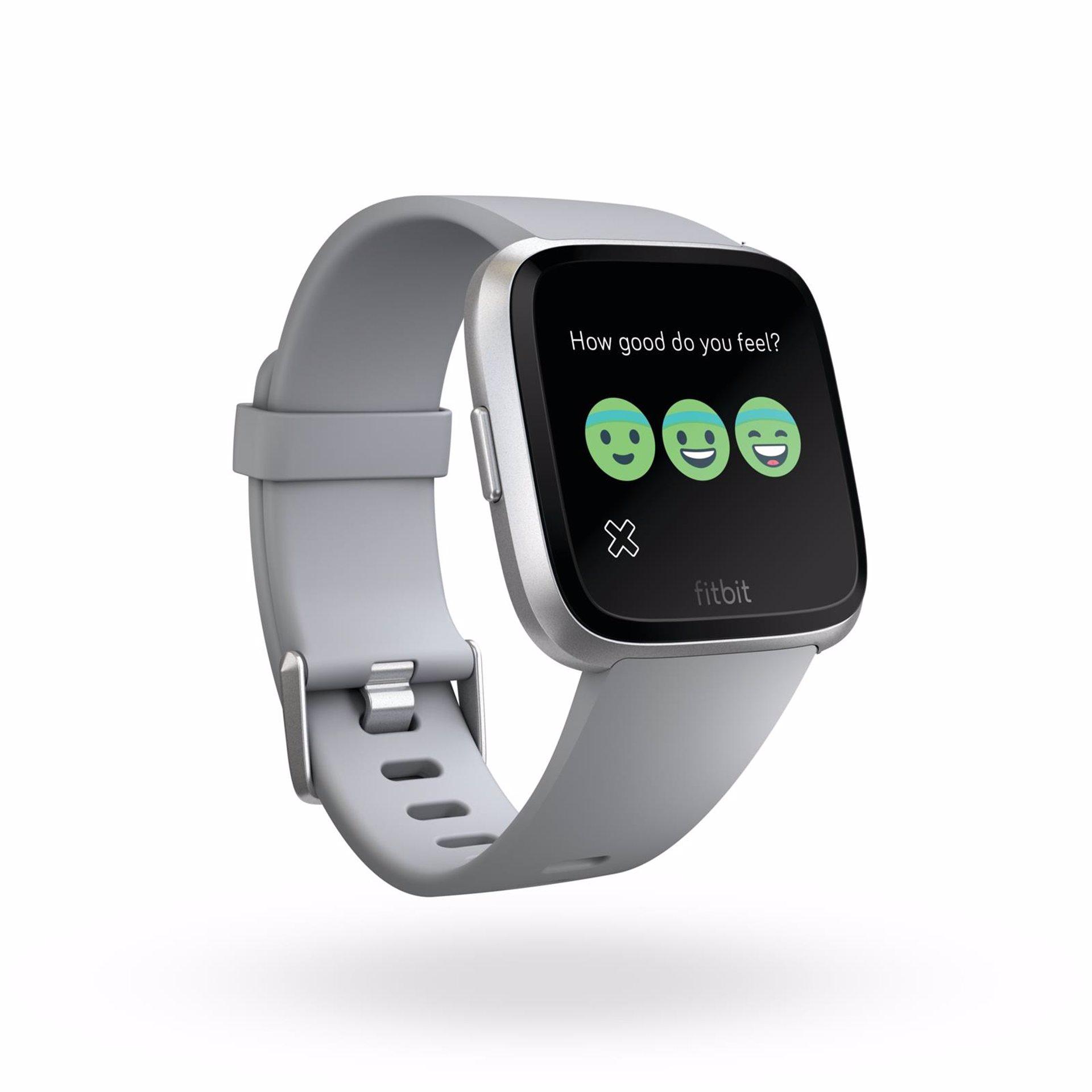 81cd3b2e4 Fitbit presenta su reloj 'inteligente' Versa, pensado en los padres  primerizos y la mujer