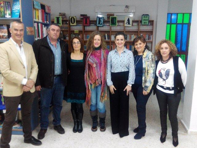 Visita a la biblioteca del IES Alhajar de Pegalajar.