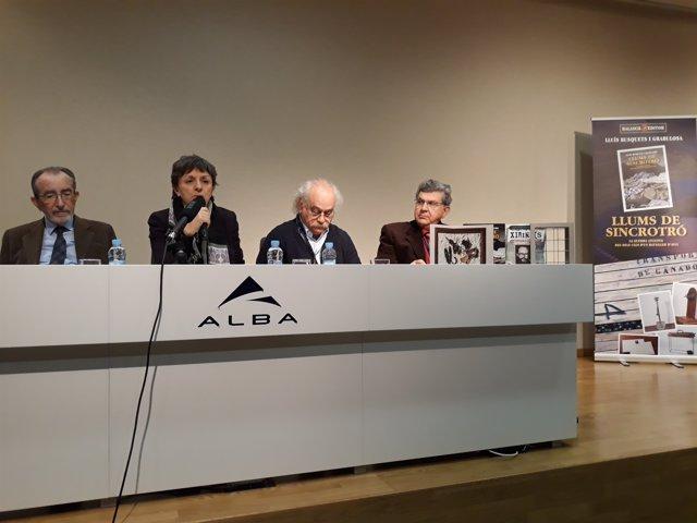 R.Pascual, C.Biscari (Sincrotrón Alba), i els escriptors S.Abrams i L.Busquets