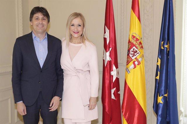 Cifuentes Recibe Al Presidente De Sociedad Civil Catalana  La Presidenta De La C