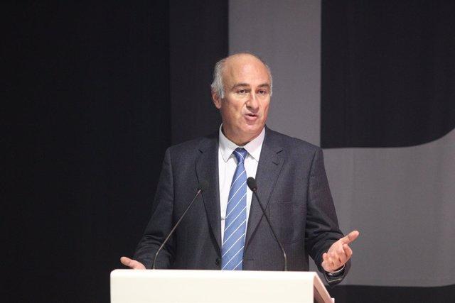 Fernando Benzo en la presentación de los resultados de un programa cultural