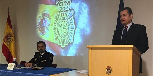 1. Acuerdo de equiparación salarial de Fuerzas de Seguridad beneficiará a unos 12.000 funcionarios de Andalucía oriental