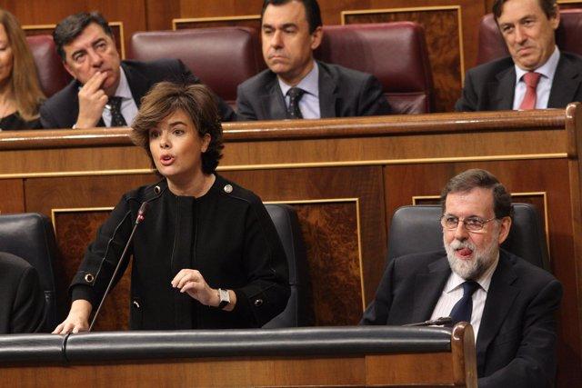 La vicepresidenta Soraya Sáenz de Santamaría, en la sesión de control