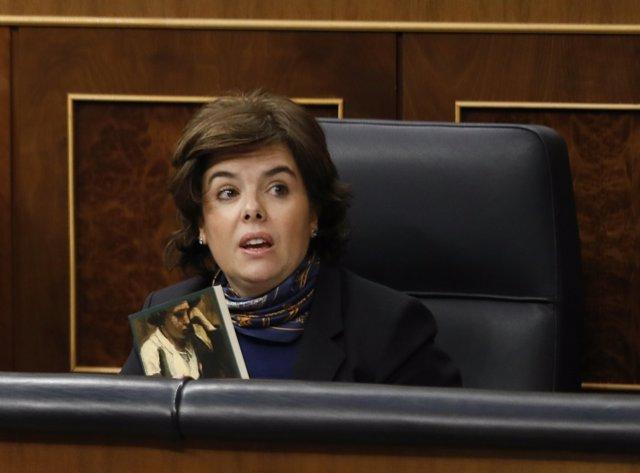 Soraya Sáez de Santamaría en el pleno del Congreso sobre las pensiones