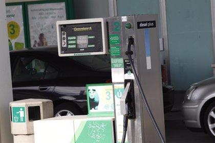 El precio de la gasolina cae un 0,4% en la semana y toca mínimos del año