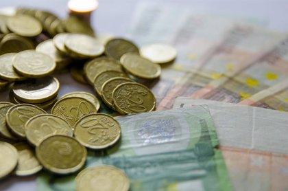 El Tesoro coloca 4.953 millones de euros en bonos a tipos más bajos, pero con una demanda mucho menor